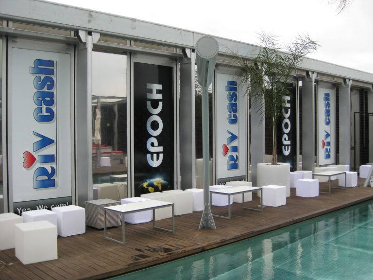2 vinyl to wall behind pool in Melia hotel